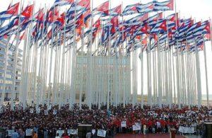 Imagen de la tribuna antimperialista en La Habana